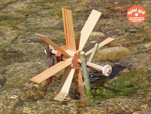 Das Kleine Wasserrad von Spielzeug Kraul