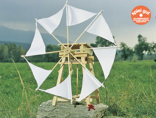 Eine Segelwindmühle mit Getriebe für Bastler ab 14 Jahren